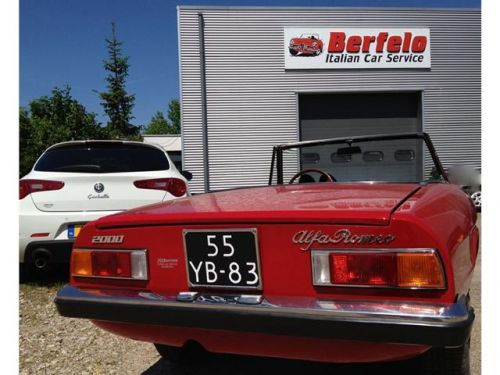 alfa-romeo-spider-cabriolet-benzine-rood-001--34047197-medium